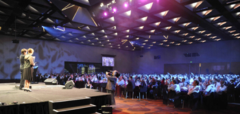 Tim Ellis performing magic at the Melbourne Conference Centre
